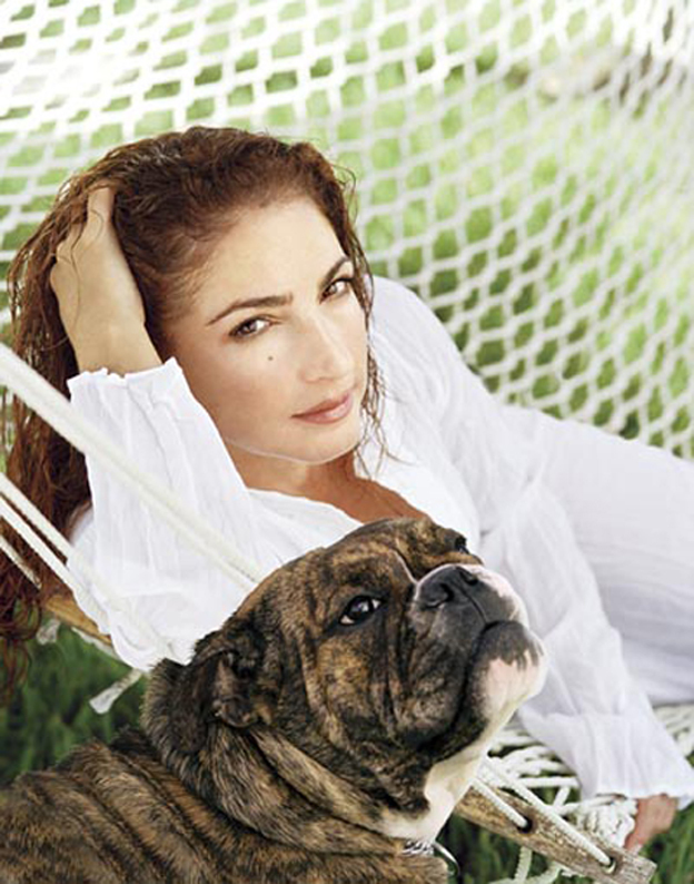 Famous celebrity Gloria Stefan and her English Bulldog