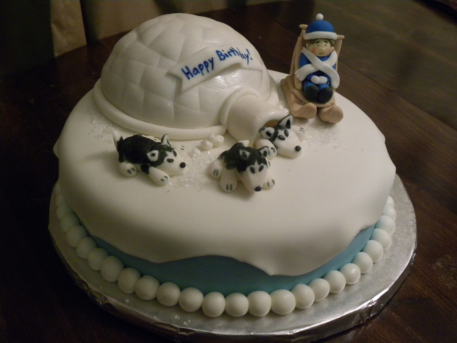 Amazing design cake with husky figures